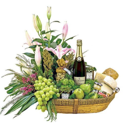 canastas de vinos y frutas