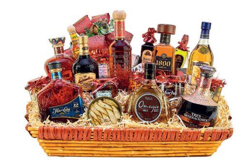canastas de regalo con vinos y licores
